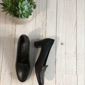 Brooks Brothers 346 Penny Loafer Heels